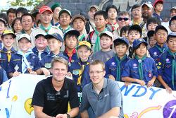 James Jakes, Dale Coyne Racing and Sébastien Bourdais, Dale Coyne Racing with fans