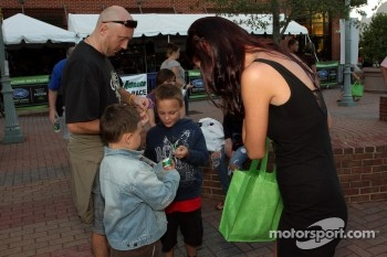Petit Le Mans pre-race party: Road Atlanta girl handing out prizes