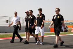 Bruno Senna, Lotus Renault GP walks the track
