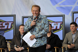 Game show host Bob Eubanks