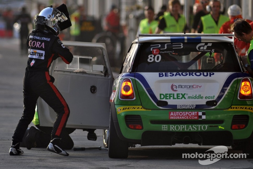 #80 Besaplast Racing Team BMW MINI: Franjo Kovac, Martin Tschornia, Cora Schumacher, Fredrik Lestrup, Stefanie Halm