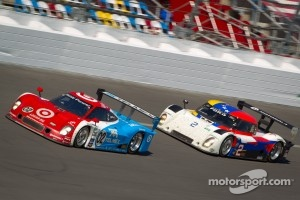 #02 Chip Ganassi Racing with Felix Sabates BMW Riley: Scott Dixon, Dario Franchitti, Jamie McMurray, Juan Pablo Montoya, #2 Starworks Motorsport Ford Riley: Ryan Hunter-Reay, Scott Mayer, Miguel Potolicchio, Michael Valiante, Enzo Potolicchio, Marco Andre