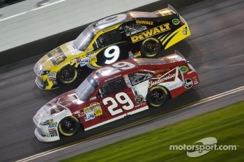 Kevin Harvick, Richard Childress Racing Chevrolet, Marcos Ambrose, Richard Petty Motorsport Ford
