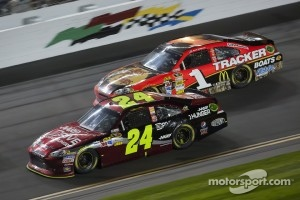 Jeff Gordon, Hendrick Motorsports Chevrolet, Jamie McMurray, Earnhardt Ganassi Racing Chevrolet