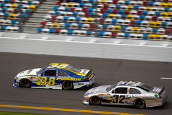 David Gilliland, Front Row Motorsports Ford, Terry Labonte, FAS Lane Racing Ford