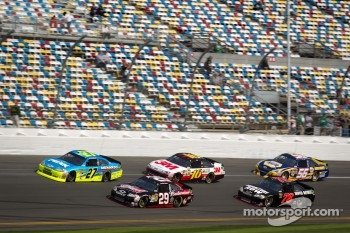 Paul Menard, Richard Childress Racing Chevrolet, Ryan Newman, Stewart-Haas Racing Chevrolet, Greg Biffle, Roush Fenway Racing Ford, Regan Smith, Furniture Row Racing Chevrolet, Martin Truex Jr., Michael Waltrip Racing Toyota