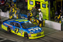 Pit stop for Paul Menard, Richard Childress Racing Chevrolet