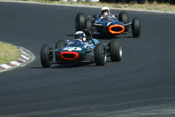 #71 Alan Baillie - Cooper T71/73 (1964) and #1 Richard Attwood - BRM P261 F1 (1964)