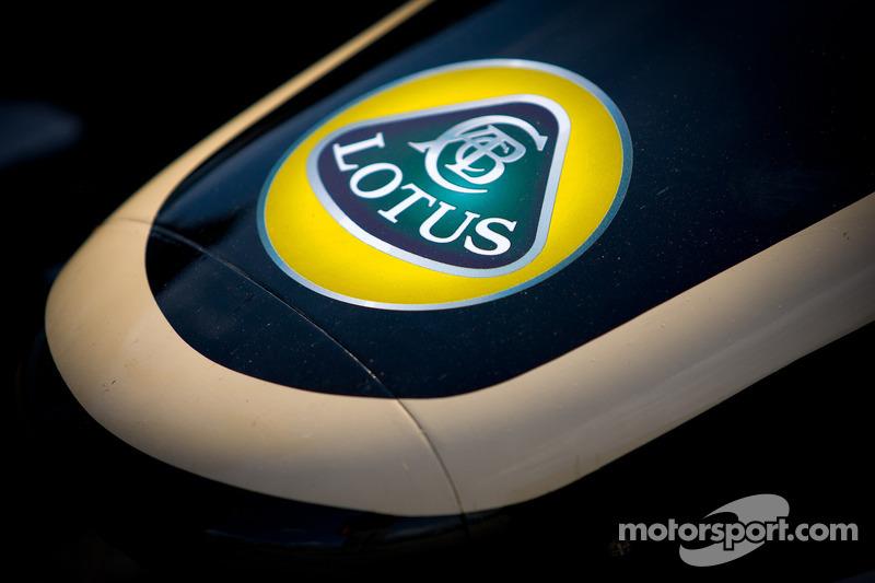 Car detail for Oriol Servia, Lotus Dreyer & Reinbold Racing Lotus