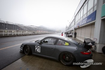 #21 Hitotsuyama Racing Porsche 911 Cup: Cyndie Allemann