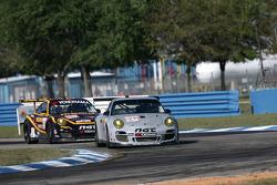 #031 NGT Motorsport Porsche 911 GT3 Cup: Angel Andres Benitez Jr., Angel Rafael Benitez Sr., Nick Tandy