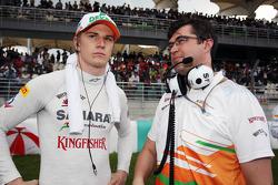 Nico Hulkenberg, Sahara Force India F1 talks with Bradley Joyce, Sahara Force India F1 Race Engineer on the grid