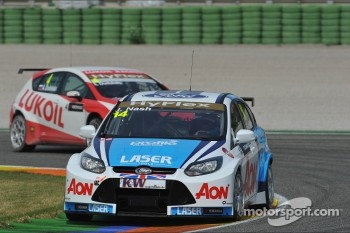 James Nash, Ford Focus S2000 TC, Team Aon ad Alexey Dudukalo, SEAT Leon WTCC, Lukoil Racing Team
