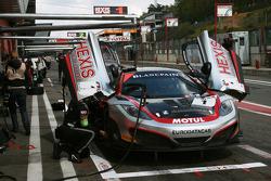 #1 Hexis AMR McLaren GT MP4-12C GT3: Frederic Makowiecki, Stef Dusseldorp