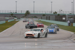 GS field behind the pace car