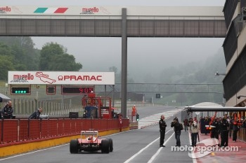 Fernando Alonso, Scuderia Ferrari at a foggy Mugello circuit