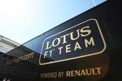 Lotus F1 Team truck