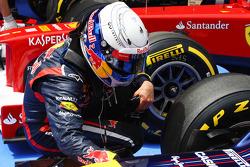 Sebastian Vettel, Red Bull Racing keeps his brakes cool