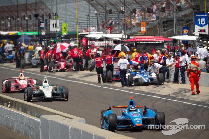 Bryan Clauson, Sarah Fisher Hartman Racing Honda heads to track