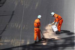 Heikki Kovalainen, Caterham blew his engine in the first practice session