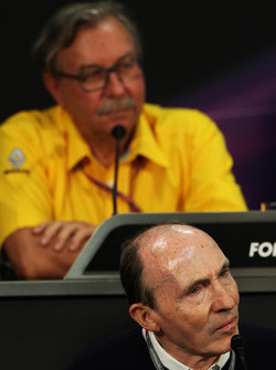 Frank Williams, Williams Team Owner and Jean-Francois Caubet, Renault Sport F1 Managing Director in the FIA Press Conference