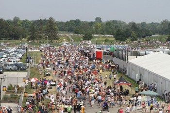Crowds file out after Carb Day