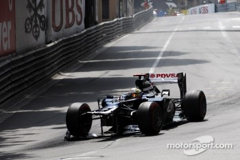 Pastor Maldonado, Williams with  broken front wing