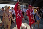 Dario Franchitti, Target Chip Ganassi Racing Honda and Scott Dixon, Target Chip Ganassi Racing Honda walk to the starting grid with their wives Ashley Judd and Emma Davies