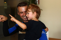 Drivers visit Zoomarine, Tiago Monteiro, SEAT Leon WTCC, Tuenti Racing Team and his son