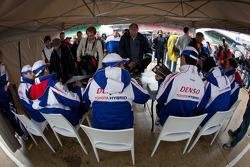 Autograph session: Alexander Wurz, Nicolas Lapierre, Kazuki Nakajima, Anthony Davidson, Sébastien Buemi, Stéphane Sarrazin