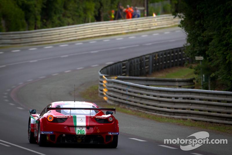 #71 AF Corse Ferrari 458 Italia: Andrea Bertolini, Olivier Beretta, Marco Cioci