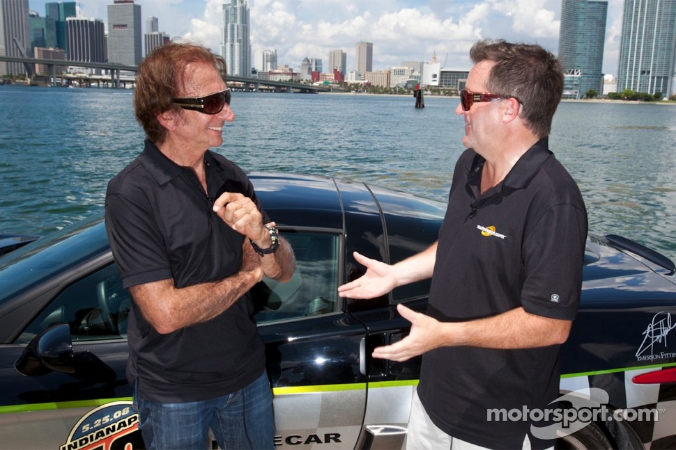 Motorsport.com's Art director Eric Gilbert with Emerson Fittipaldi