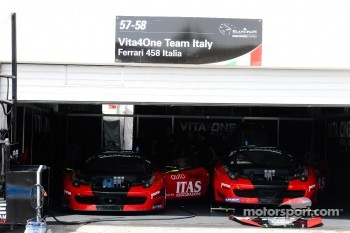 Vita4One Team Italy garage