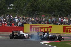 Kamui Kobayashi, Sauber F1 Team and Bruno Senna, Williams F1 Team