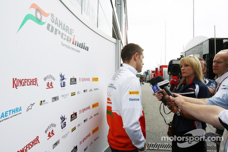 Paul di Resta, Sahara Force India F1 with the media
