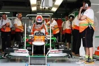 Paul di Resta, climbs into his Sahara Force India