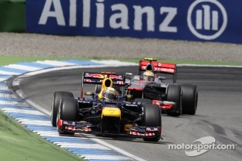 Sebastian Vettel, Red Bull Racing, Lewis Hamilton, McLaren Mercedes