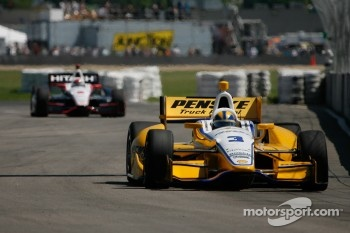 Briscoe follows Castroneves at Edmonton