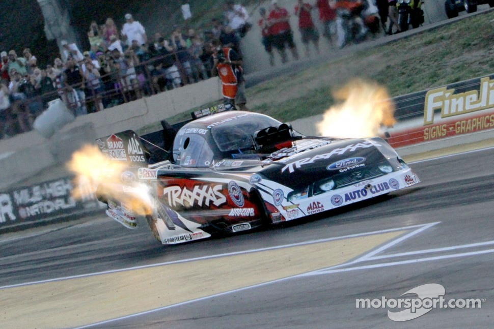 FUNNY CAR – Courtney Force, Yorba Linda, Calif., Traxxas Ford Mustang (photo), 4.238, 293.54 mph, def. Matt Hagan, Christiansburg, Va., Aaron's Dodge Charger, 4.328, 276.58 mph.