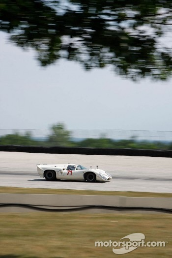 #71 1967 Lola T70 MkIIIB: William Thumel