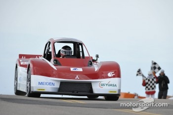 #32 Mitsubishi Motors i-MiEV Evolution: Hiroshi Masuoka