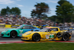 #17 Team Falken Tire, Porsche 911 GT3 RSR: Wolf Henzler, Bryan Sellers #3 Corvette Racing  Chevrolet Corvette C6 ZR1: Jan Magnussen, Antonio Garcia