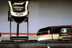 Lotus F1 E20 front wing