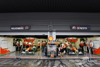 Pit garage of Nico Hulkenberg, Sahara Force India F1 and Paul di Resta, Sahara Force India