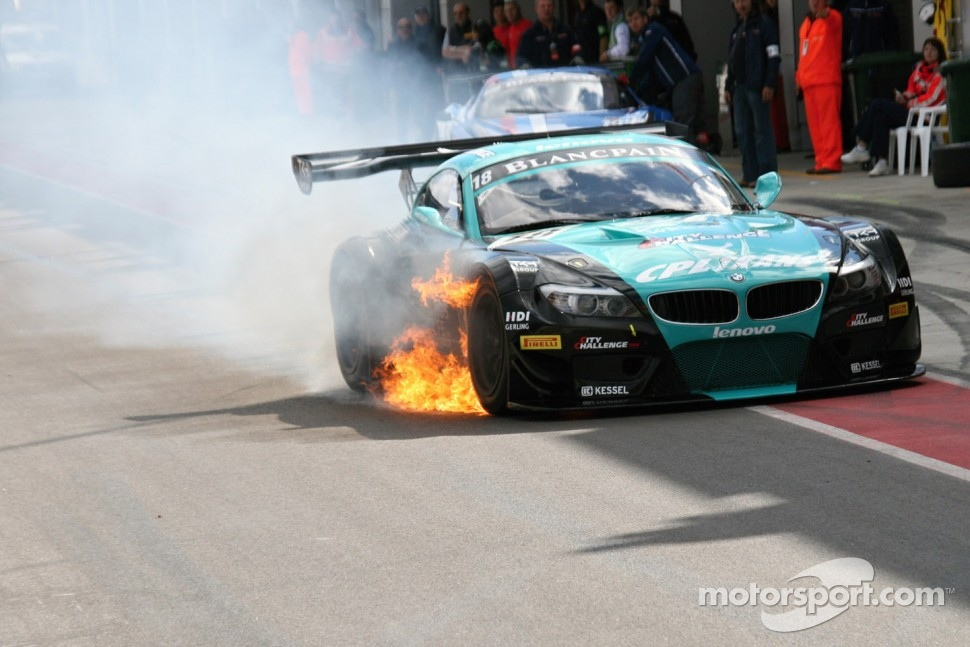 #18 BMW Team Vita4one BMW Z4 GT3: Michael Bartels, Yelmer Buurman on fire