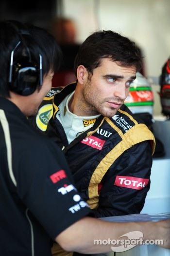 Jerome d'Ambrosio, Lotus F1 Team with Ayao Komatsu, Lotus F1 Team Race Engineer