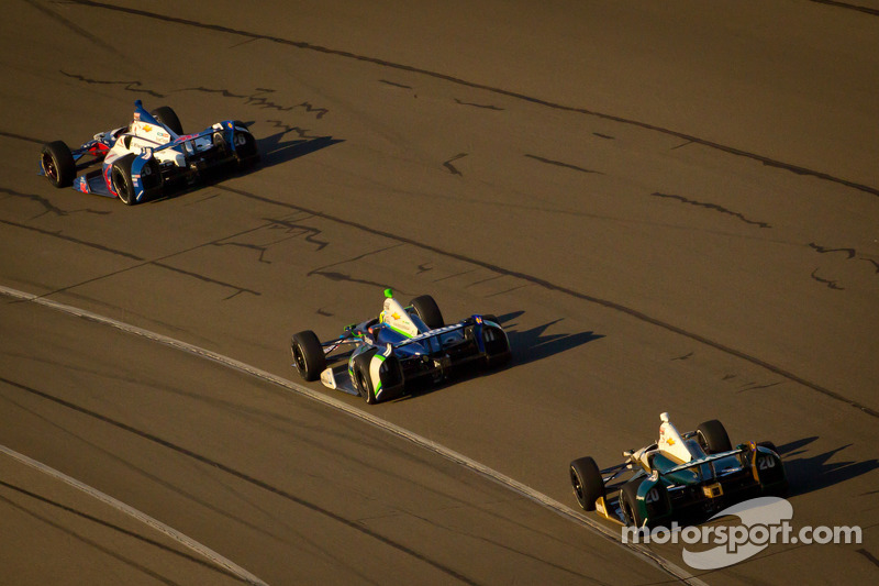 Marco Andretti, Andretti Autosport Chevrolet, Tony Kanaan, KV Racing Technology Chevrolet and Ed Carpenter, Ed Carpenter Racing Chevrolet