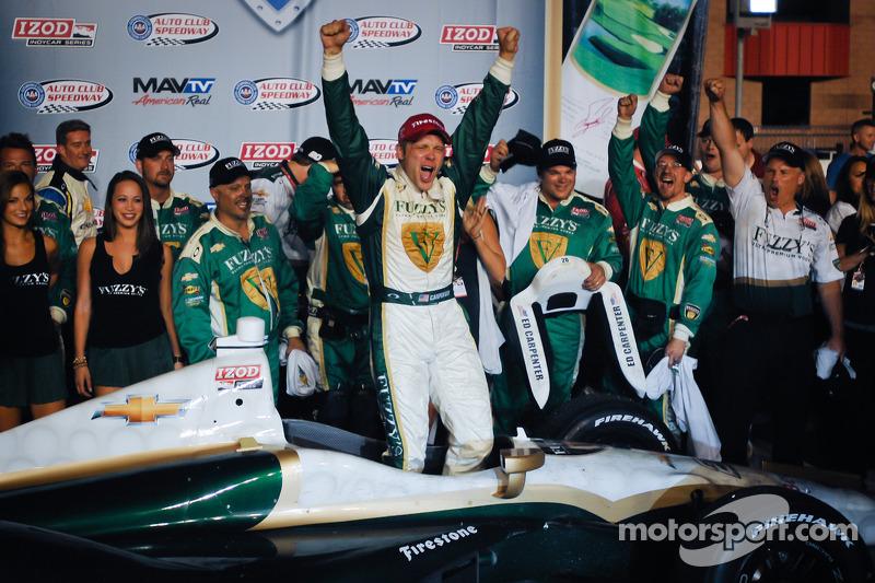 Victory lane: race winner Ed Carpenter, Ed Carpenter Racing Chevrolet celebrates