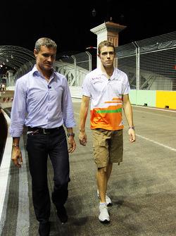 Paul di Resta, Sahara Force India F1 walks the circuit with David Coulthard