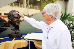 Bernie Ecclestone, CEO Formula One Group, pays his respects to the late Sid Watkins, Former FIA Safety Delegate